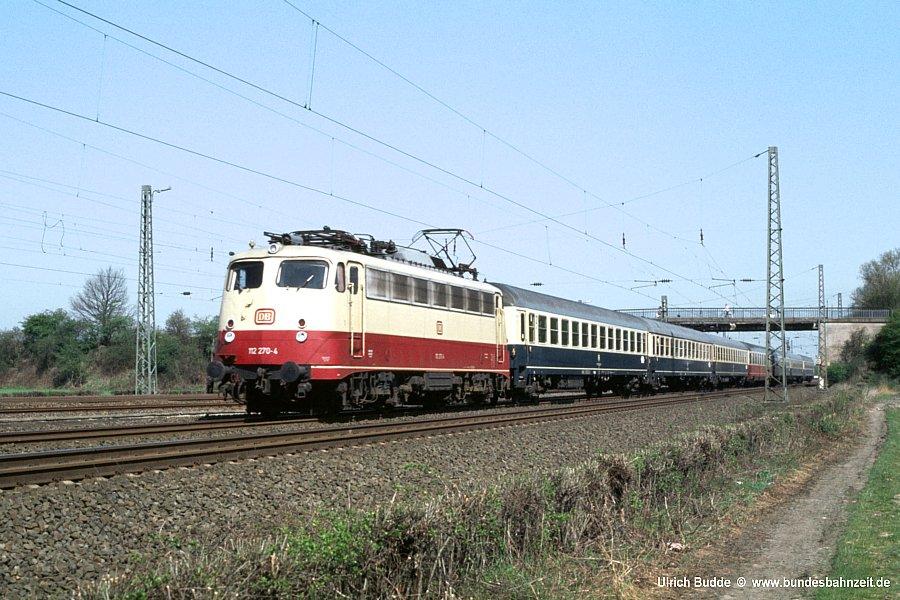 http://www.bundesbahnzeit.de/bauartunterschiede/Baureihe%20112/jpg-Bilder/b57-112%20270.jpg?=1397386751