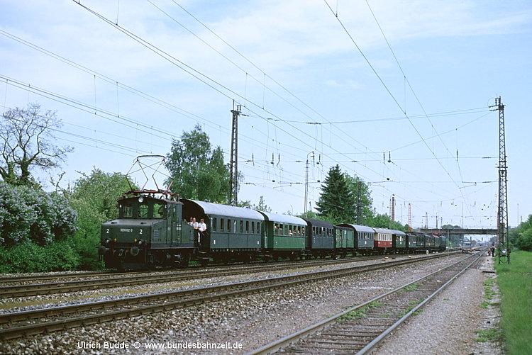 http://www.bundesbahnzeit.de/dso/100J_elektrische_Eisenbahn/b08-169_002.jpg