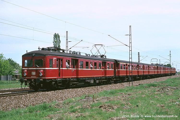 http://www.bundesbahnzeit.de/dso/100J_elektrische_Eisenbahn/b10-465_009.jpg