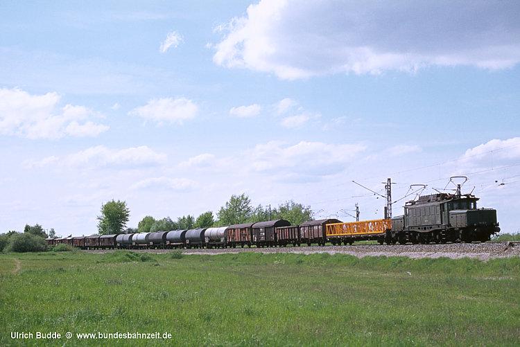 http://www.bundesbahnzeit.de/dso/100J_elektrische_Eisenbahn/b11-194_116.jpg