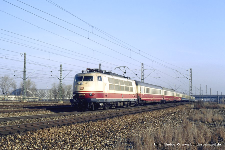http://www.bundesbahnzeit.de/dso/103_Osterei/b08-103_122.jpg