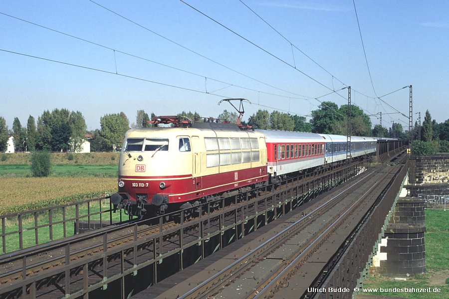 http://www.bundesbahnzeit.de/dso/103_Osterei/b12-103_113.jpg