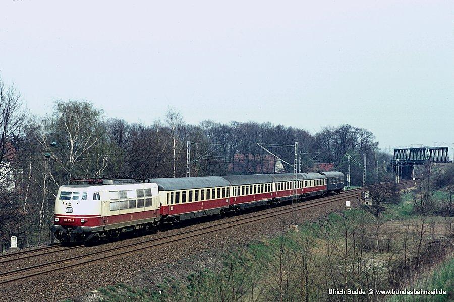 http://www.bundesbahnzeit.de/dso/103_in_der_Bundesbahnzeit/b02-103_176.jpg