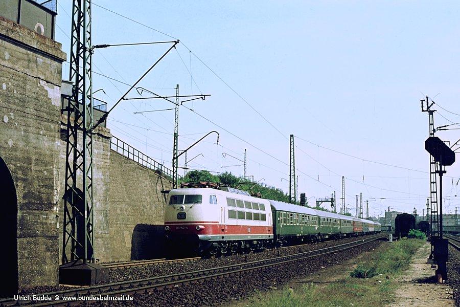 http://www.bundesbahnzeit.de/dso/103_in_der_Bundesbahnzeit/b03-103_152.jpg
