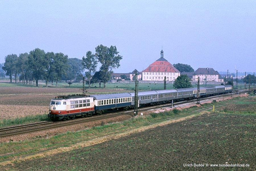 http://www.bundesbahnzeit.de/dso/103_in_der_Bundesbahnzeit/b06-103_143.jpg