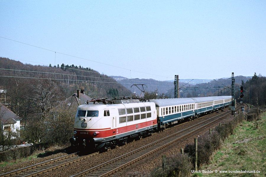 http://www.bundesbahnzeit.de/dso/103_in_der_Bundesbahnzeit/b07-103_135.jpg