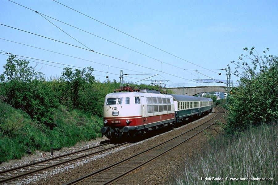 http://www.bundesbahnzeit.de/dso/103_in_der_Bundesbahnzeit/b09-103_188.jpg