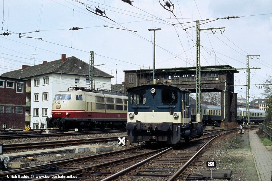 http://www.bundesbahnzeit.de/dso/103_in_der_Bundesbahnzeit/b11-103_222,333_043.jpg