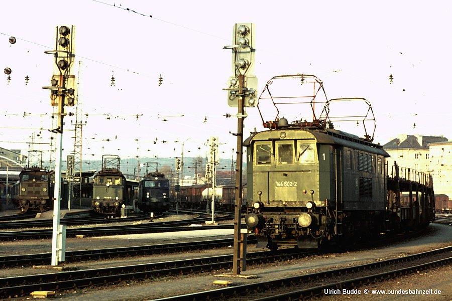 http://www.bundesbahnzeit.de/dso/144-5/b02-144_502.jpg