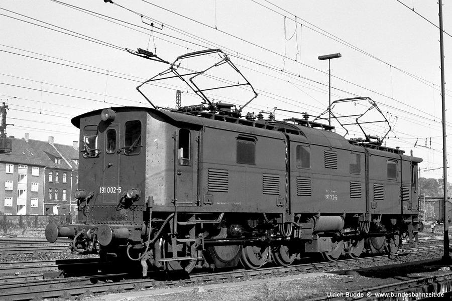 http://www.bundesbahnzeit.de/dso/191_im_Revier/b01-191_002.jpg