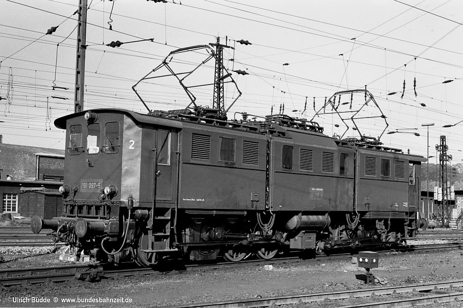 http://www.bundesbahnzeit.de/dso/191_im_Revier/b03-191_097.jpg