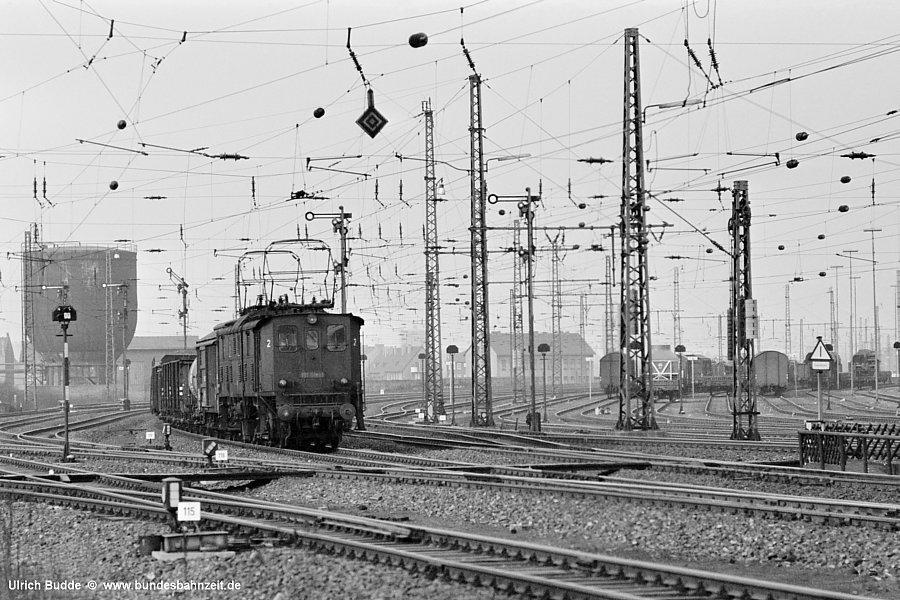 http://www.bundesbahnzeit.de/dso/191_im_Revier/b10-191_018.jpg