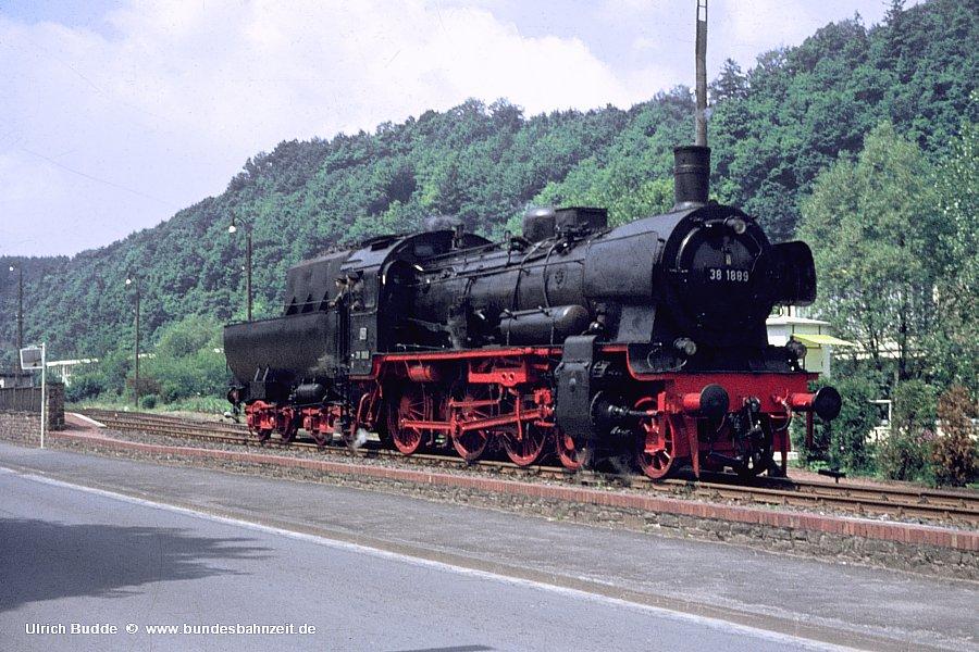 http://www.bundesbahnzeit.de/dso/38_1889/b06-38_1889.jpg