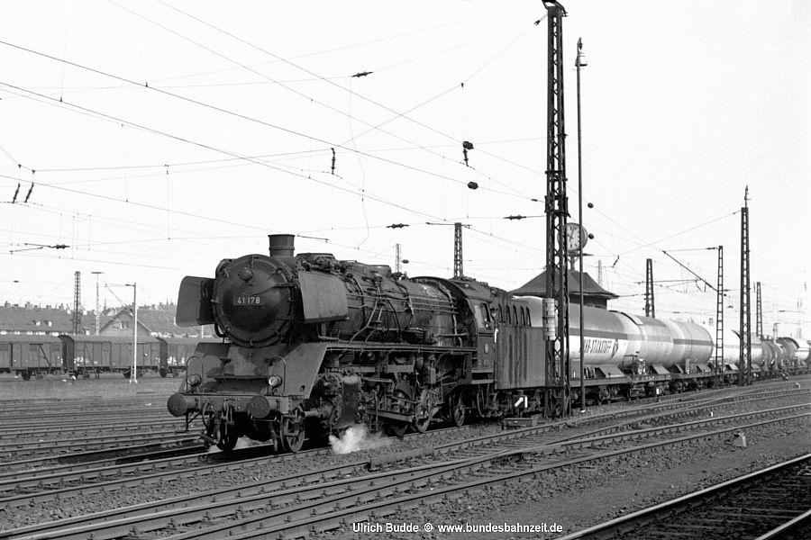 http://www.bundesbahnzeit.de/dso/41AK/b07-41_178.jpg