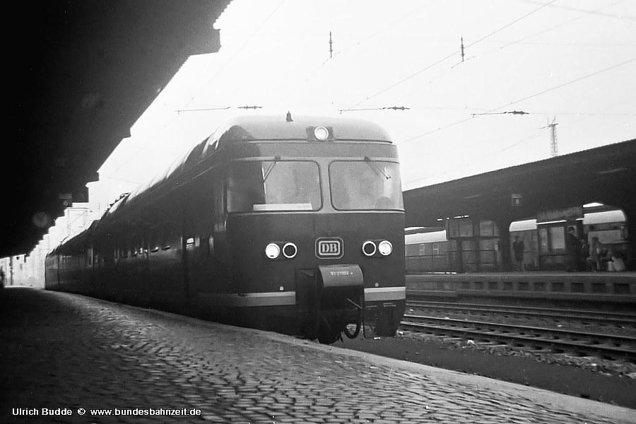 http://www.bundesbahnzeit.de/dso/427-Ruhr/b01-ET27_002a.jpg