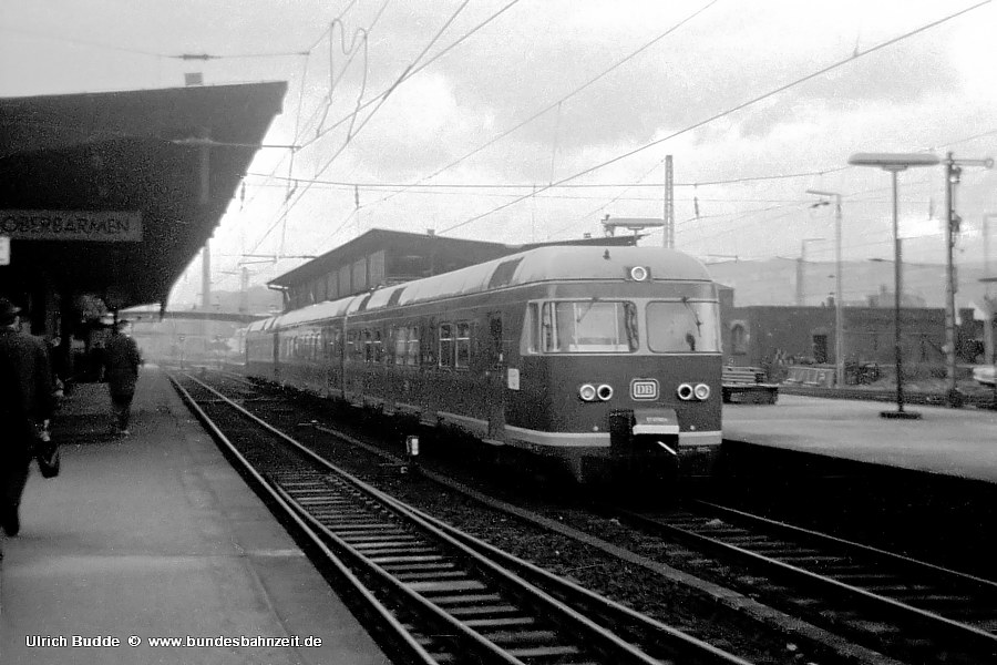 http://www.bundesbahnzeit.de/dso/427-Ruhr/b02-ET27_002b.jpg