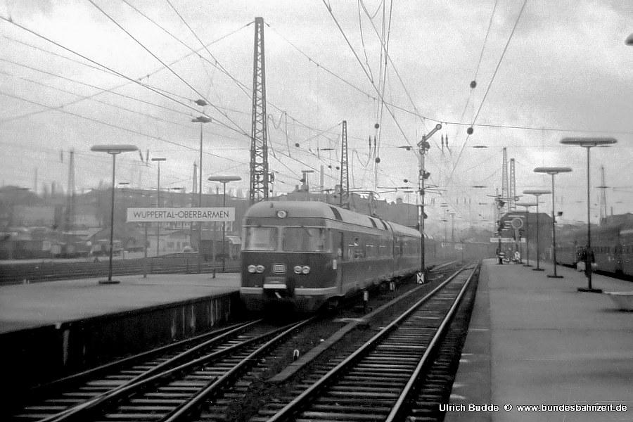 http://www.bundesbahnzeit.de/dso/427-Ruhr/b03-ET27_002a.jpg