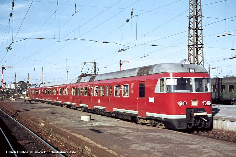 http://www.bundesbahnzeit.de/dso/427-Ruhr/b04-ET27_002a.jpg