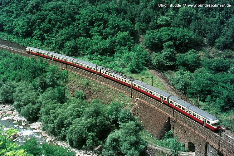 http://www.bundesbahnzeit.de/dso/50Jahre_TEE/b03-RAe_TEE.jpg