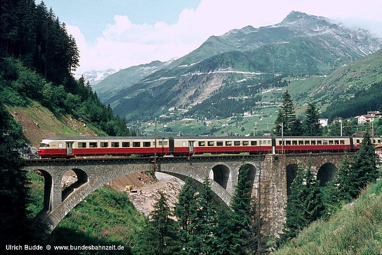 http://www.bundesbahnzeit.de/dso/50Jahre_TEE/b05-RAe_TEE.jpg