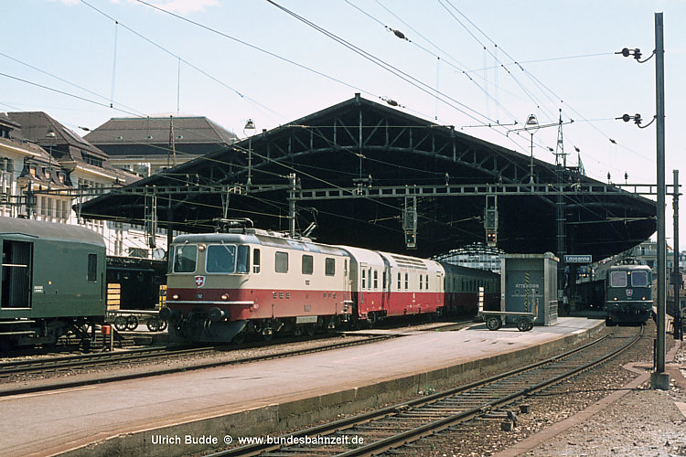 http://www.bundesbahnzeit.de/dso/50Jahre_TEE/b06-Re44II_11252.jpg