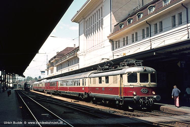 http://www.bundesbahnzeit.de/dso/50Jahre_TEE/b07-Re44I_10046.jpg