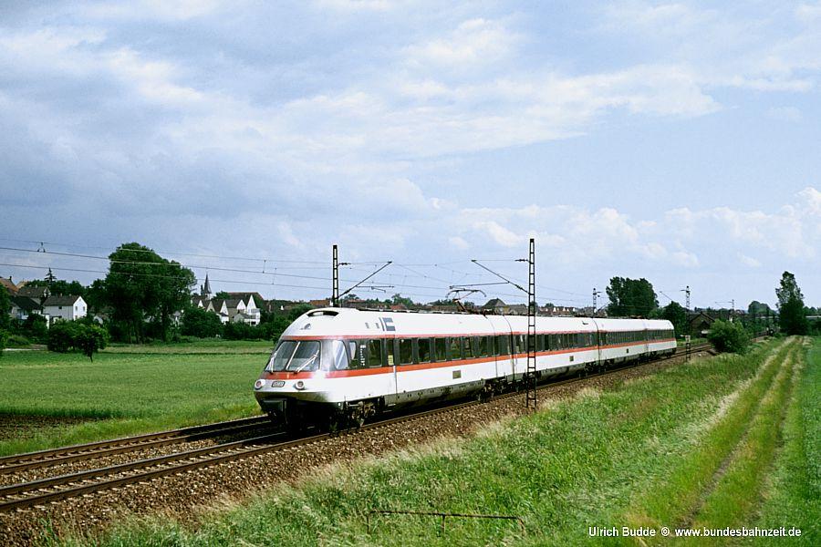 http://www.bundesbahnzeit.de/dso/5JahreHiFo/b04-403_005.jpg
