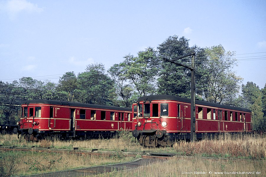 http://www.bundesbahnzeit.de/dso/AW_Schwerte/b13-VT33_215,VT33_225.jpg