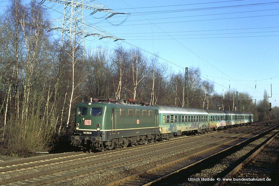 http://www.bundesbahnzeit.de/dso/Adieu_Knallfrosch/b06-141_294.jpg