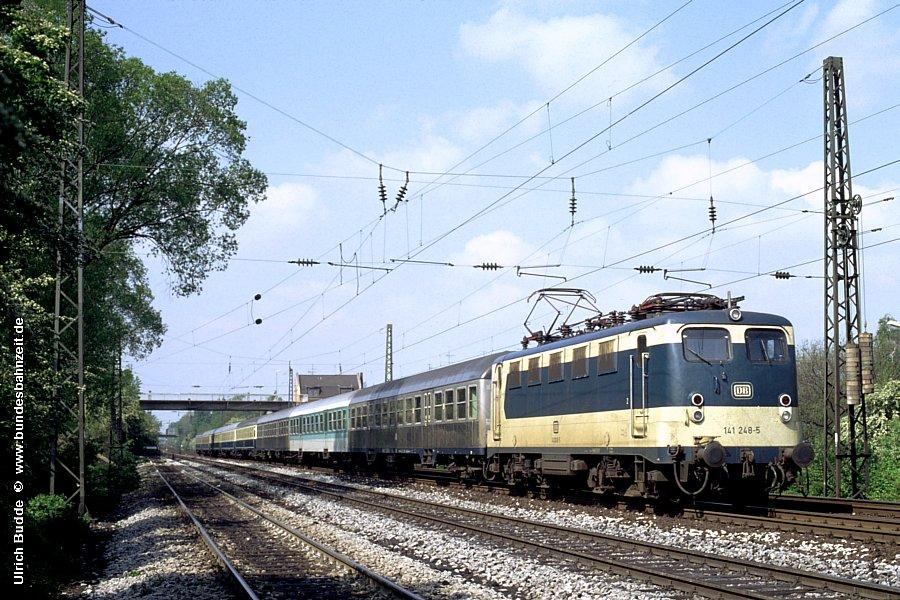 http://www.bundesbahnzeit.de/dso/Adieu_Knallfrosch/b09-141_248.jpg