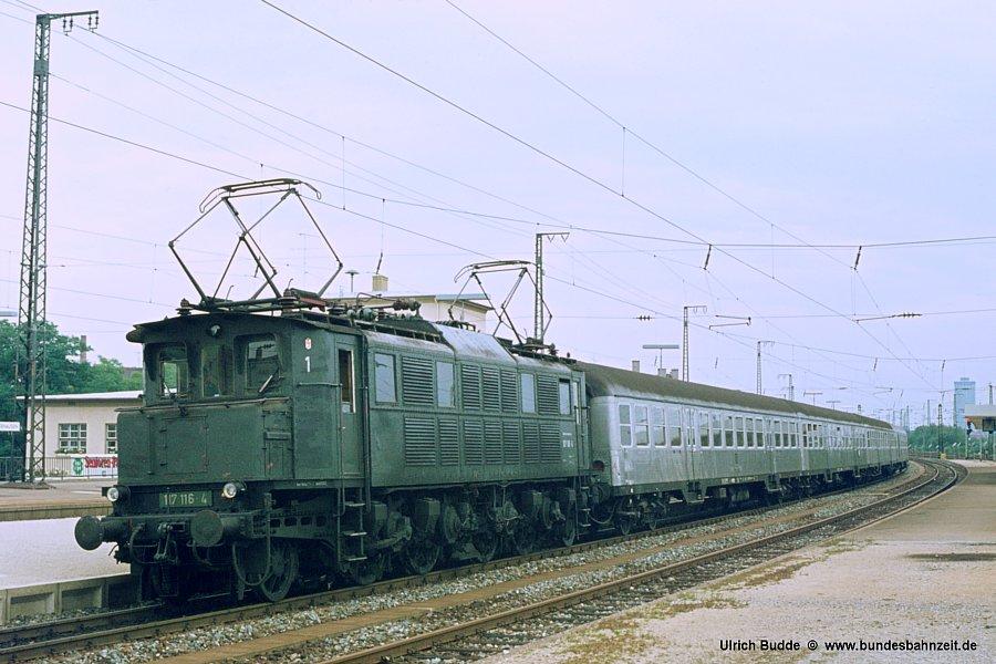 http://www.bundesbahnzeit.de/dso/Altbau-Elloks_BD_Aug/b06-117_116.jpg