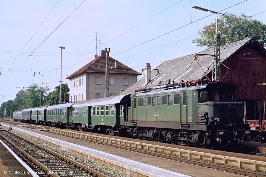 http://www.bundesbahnzeit.de/dso/Altbau-Elloks_BD_Aug/b08-144_156.jpg