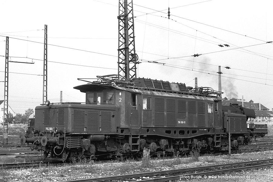 http://www.bundesbahnzeit.de/dso/Altbau-Elloks_BD_Kar/b04-194_188.jpg