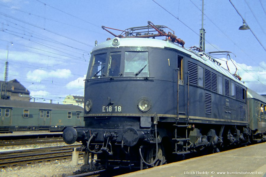 http://www.bundesbahnzeit.de/dso/Altbau-Elloks_BD_Mu-H/b01-E18_18.jpg