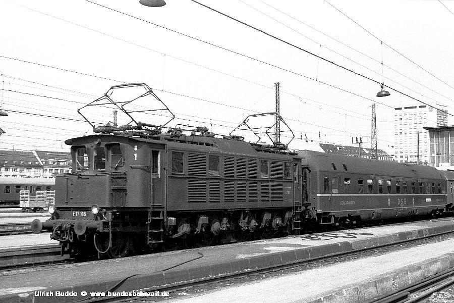 http://www.bundesbahnzeit.de/dso/Altbau-Elloks_BD_Mu-H/b03-E17_116.jpg