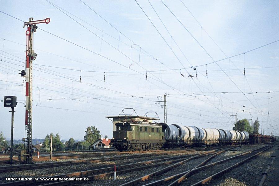 http://www.bundesbahnzeit.de/dso/Altbau-Elloks_BD_Mu-R/b07-144_065.jpg