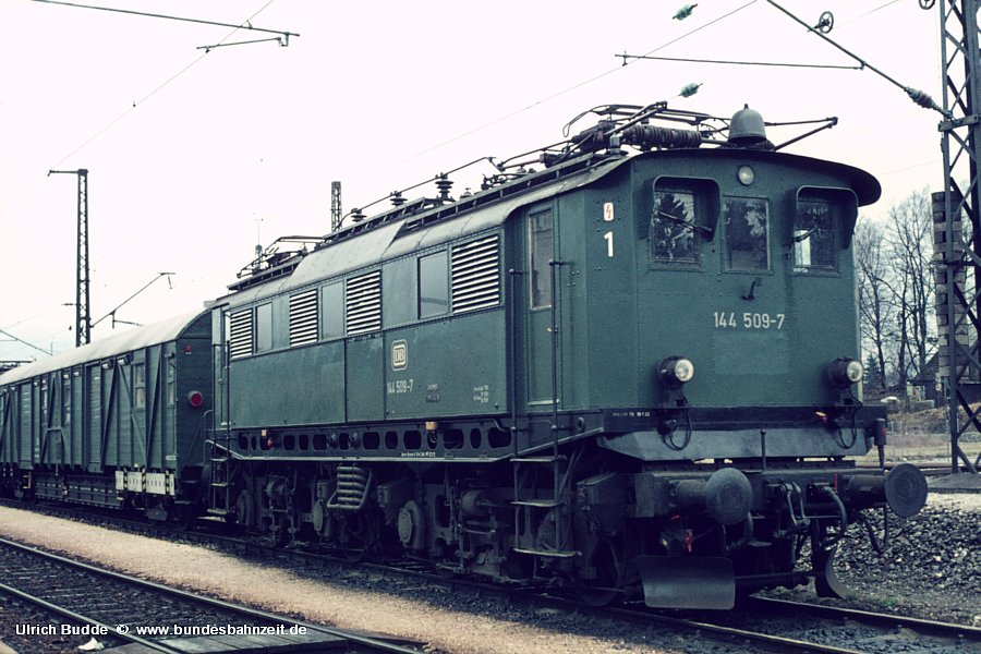 http://www.bundesbahnzeit.de/dso/Altbau-Elloks_BD_Mu-R/b10-144_509.jpg