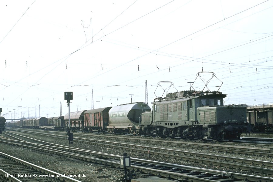http://www.bundesbahnzeit.de/dso/Altbau-Elloks_BD_Mu-S/b10-194_038.jpg