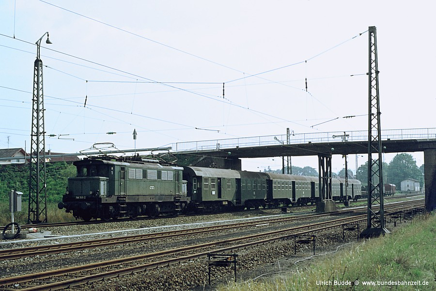 http://www.bundesbahnzeit.de/dso/Altbau-Elloks_BD_Nur/b06-144_149.jpg