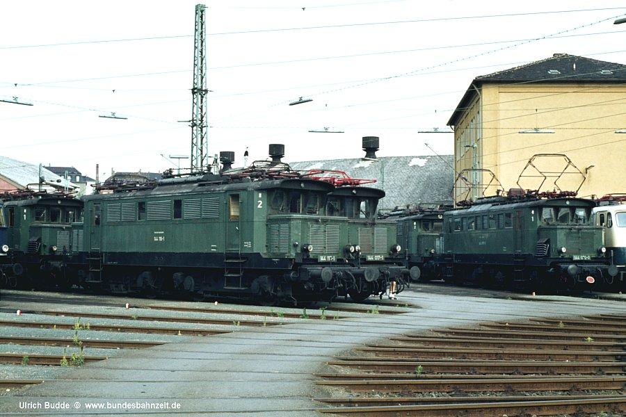 http://www.bundesbahnzeit.de/dso/Altbau-Elloks_BD_Nur/b10-144_116.jpg