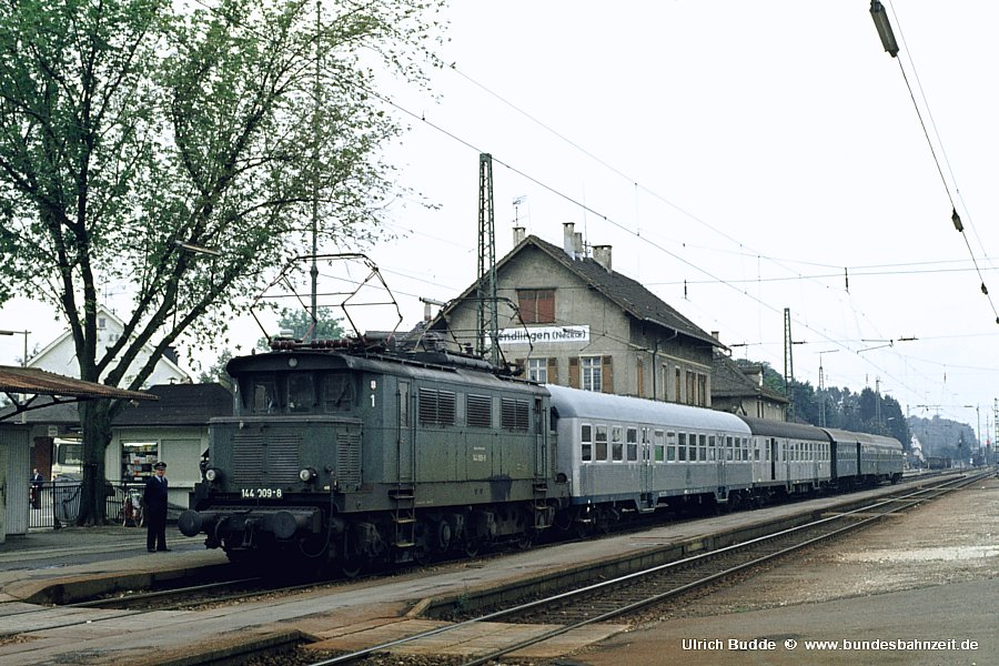 http://www.bundesbahnzeit.de/dso/Altbau-Elloks_BD_Stg/b01-144_009.jpg