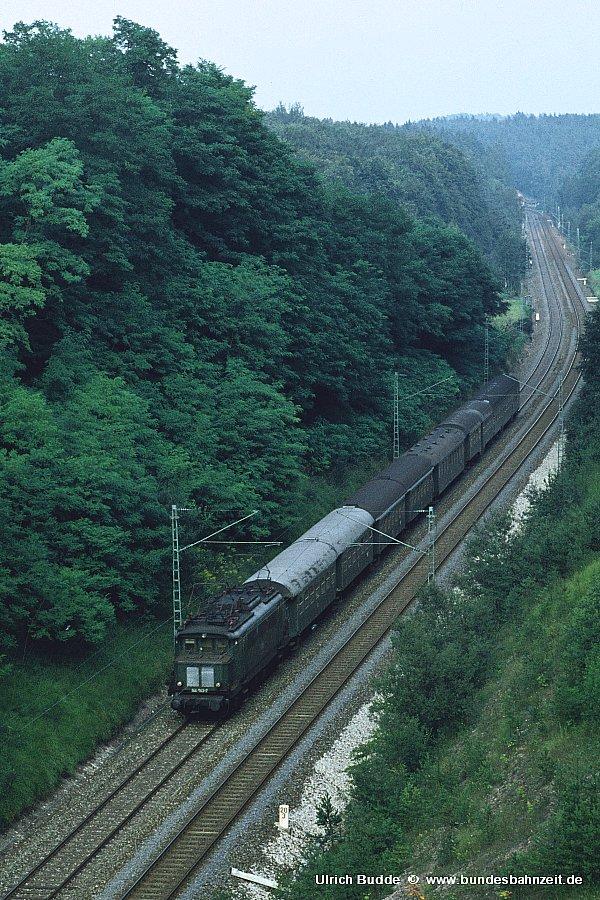 http://www.bundesbahnzeit.de/dso/Altbau-Elloks_BD_Stg/b04-144_043.jpg