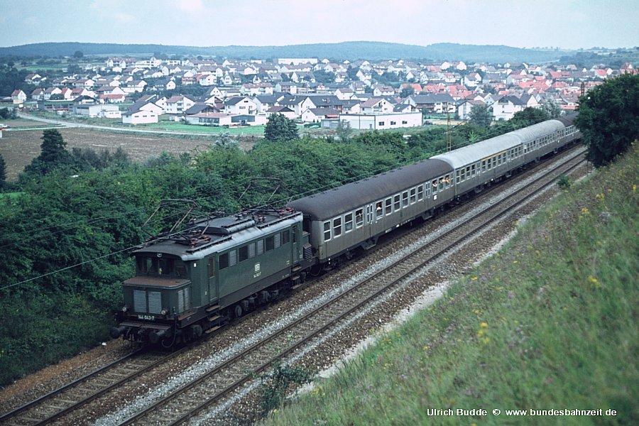 http://www.bundesbahnzeit.de/dso/Altbau-Elloks_BD_Stg/b05-144_043.jpg