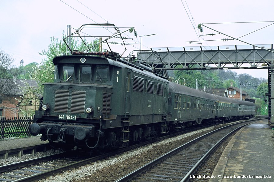 http://www.bundesbahnzeit.de/dso/Altbau-Elloks_BD_Stg/b06-144_084.jpg