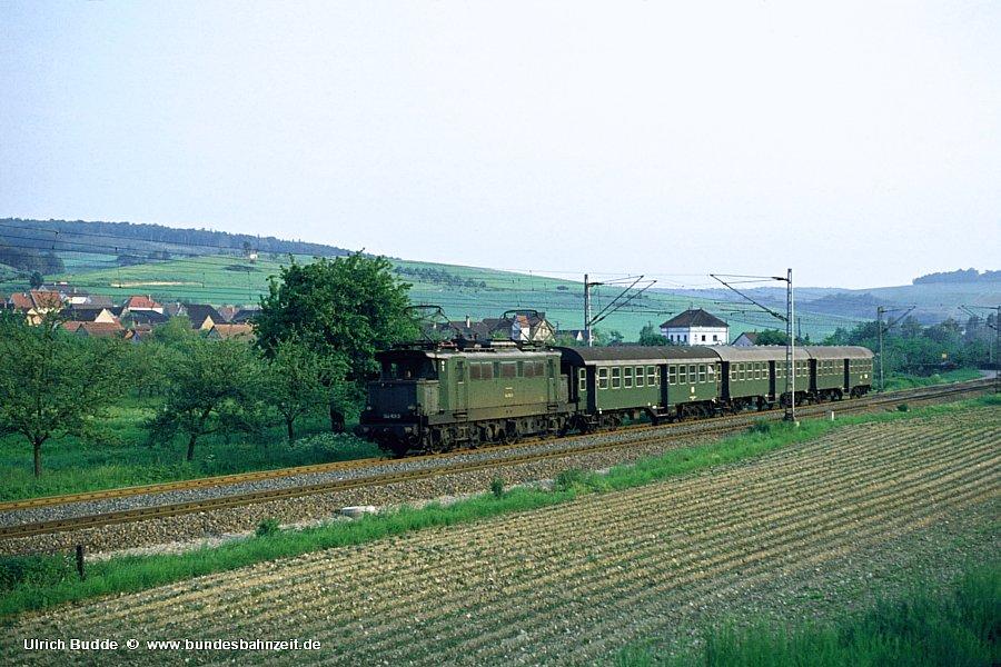 http://www.bundesbahnzeit.de/dso/Altbau-Elloks_BD_Stg/b10-144_163.jpg