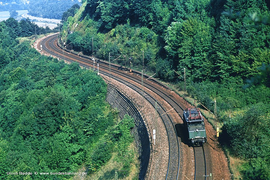 http://www.bundesbahnzeit.de/dso/Altbau-Elloks_BD_Stg/b14-194_038.jpg