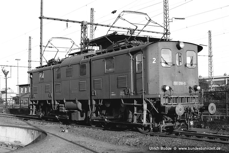 http://www.bundesbahnzeit.de/dso/Altbau-Elloks_im_Revier/b07-191_018.jpg