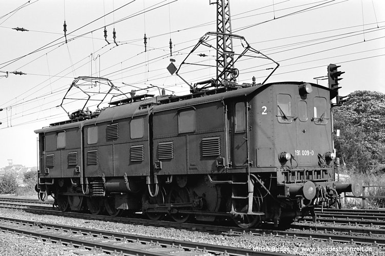 http://www.bundesbahnzeit.de/dso/Altbau-Elloks_im_Revier/b08-191_009.jpg