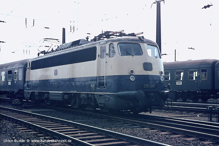 http://www.bundesbahnzeit.de/dso/BU-112/b02-E10_1267.jpg