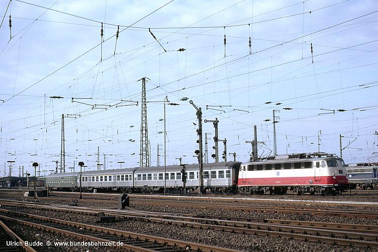 http://www.bundesbahnzeit.de/dso/BU-112/b05-112_270.jpg